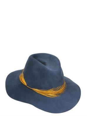 EUGENIA KIM, Tasarım Şapka