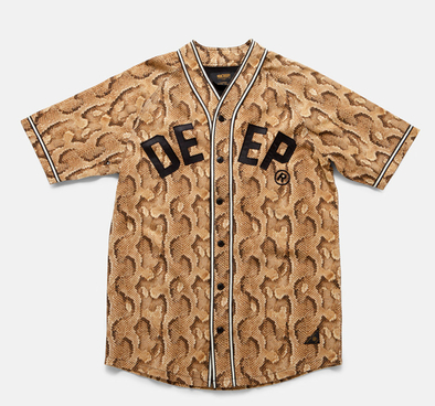 10 DEEP, Tasarım Tişört